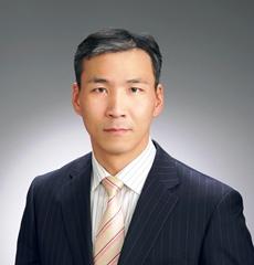税理士長谷川臣介